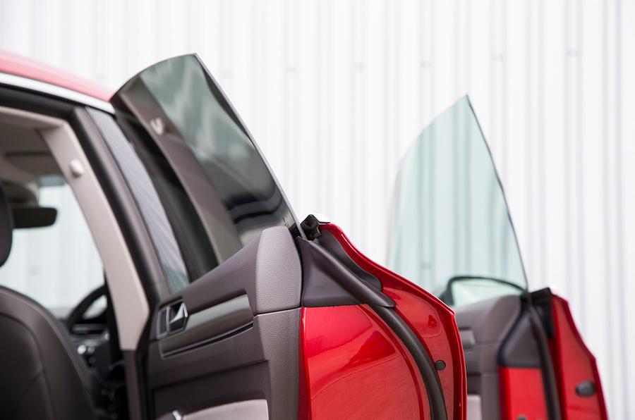 Volkswagen Arteon 2018 long-term review frameless doors