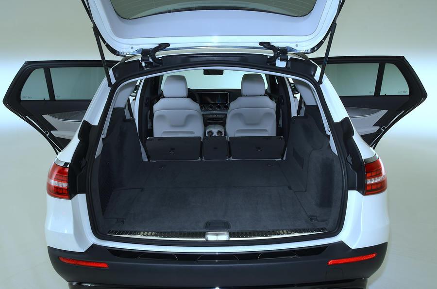 Mercedes-Benz E53 estate 2020 - boot