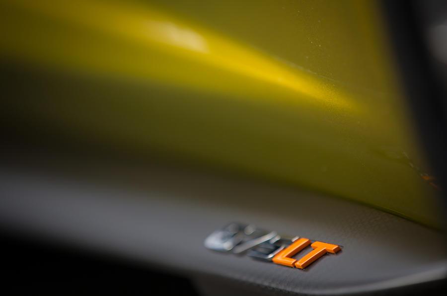 McLaren 675LT badging