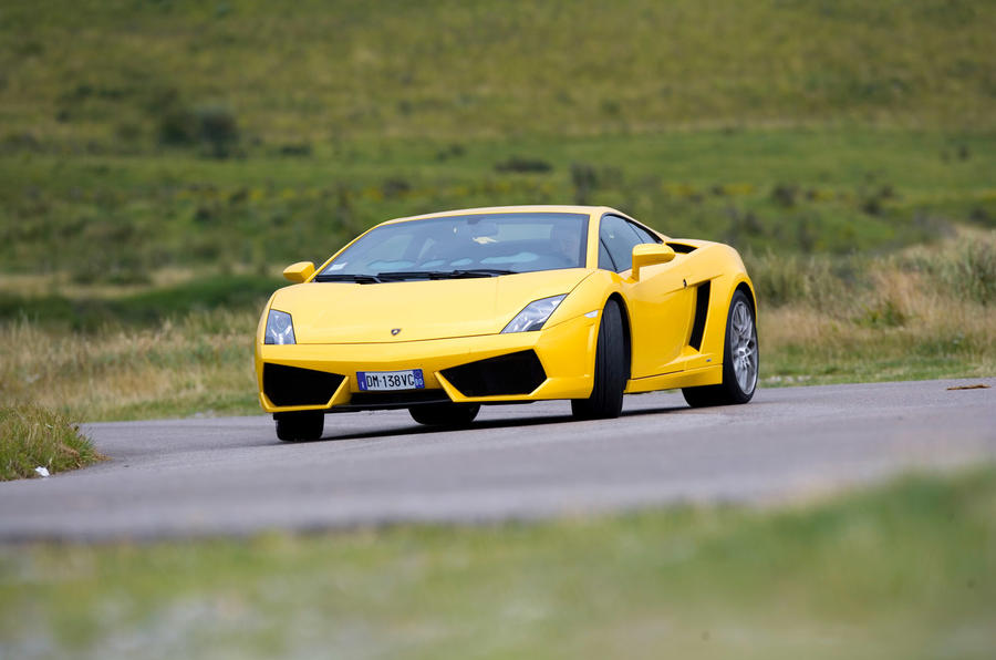 Lamborghini Gallardo LP560-4 - tracking front