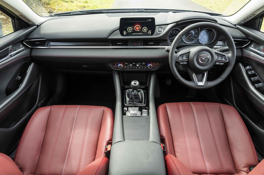 6 Mazda 6 Kuro tableau de bord