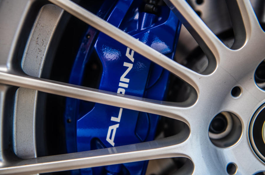 Alpina B5 Touring 2018 UK first drive review - brake calipers