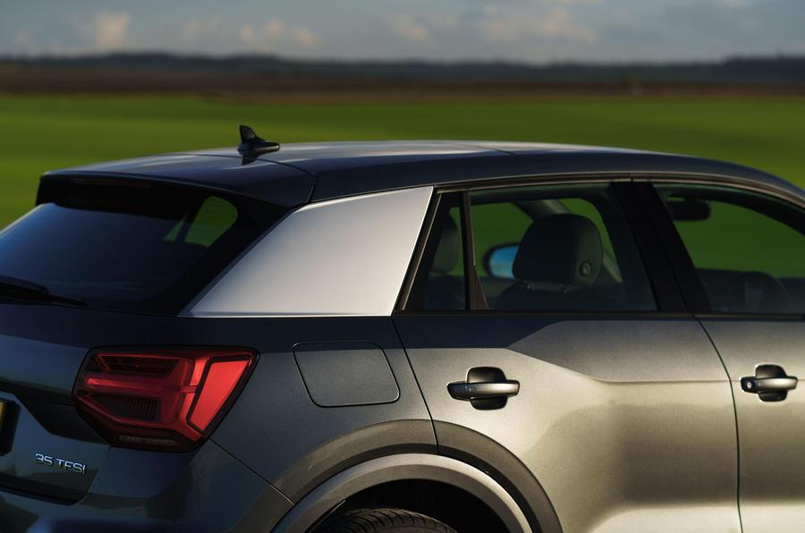 Audi Q2 35 TFSI Sport 2020 : premier examen de conduite au Royaume-Uni - trois quarts arrière