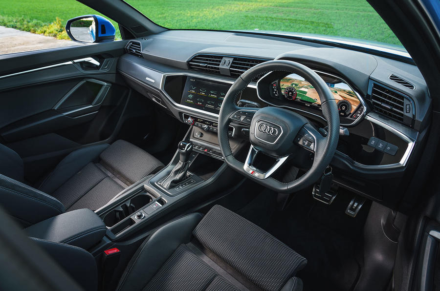 Audi Q3 45 TFSI 2019 first drive review - dashboard