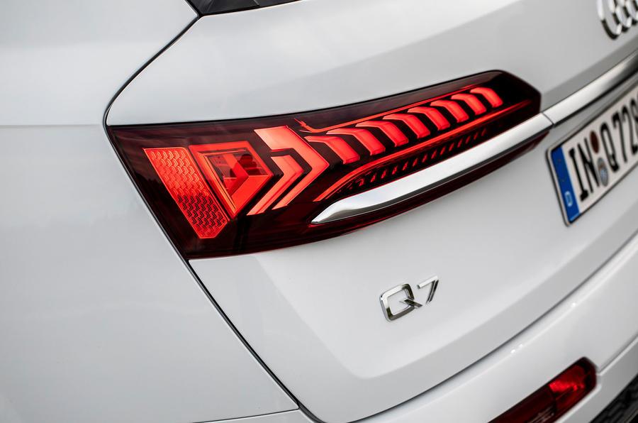 Audi Q7 TFSI e 2019 first drive review - rear lights