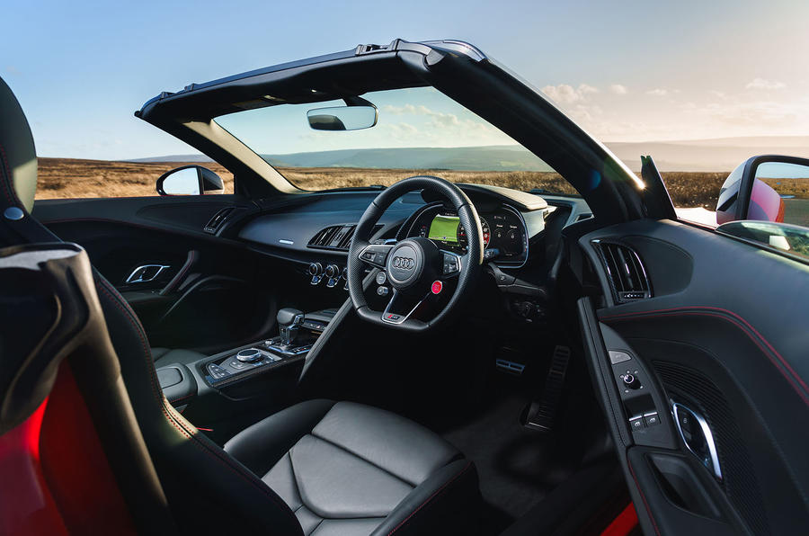 Audi R8 Spyder 2019 UK first drive review - cabin