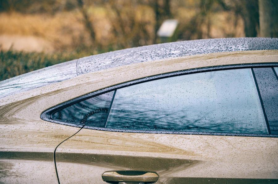7 Audi RS E tron GT 2021 LHD : premier examen des vitres arrière