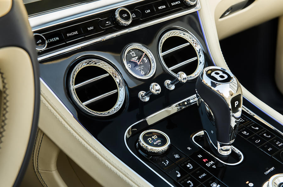 Bentley Continental GT Convertible 2019 UK first drive review - centre console