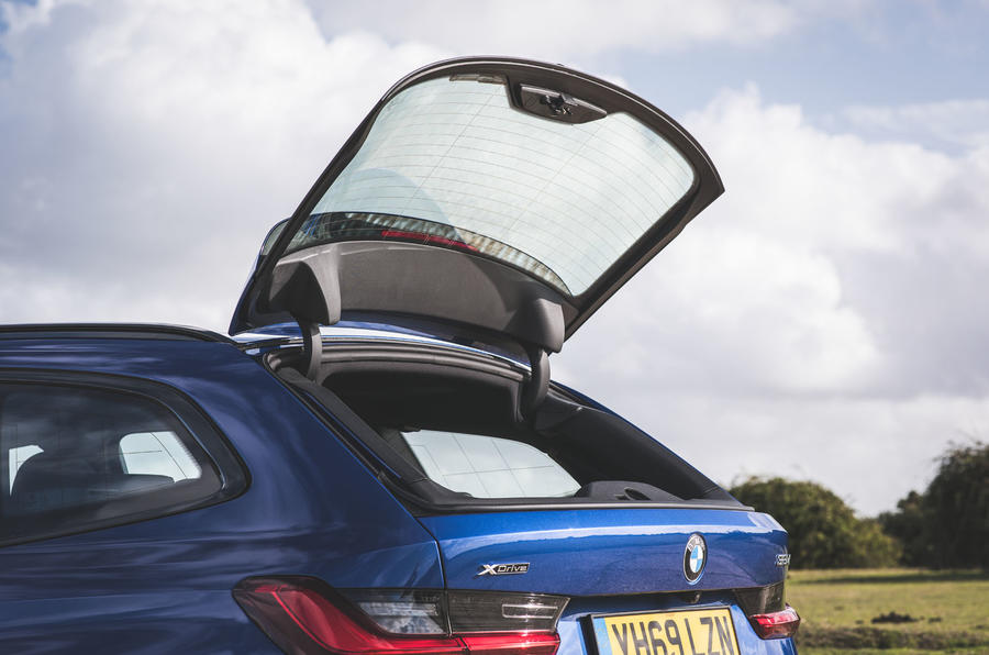 BMW 3 Series Touring 320d 2019 UK first drive review - tailgate