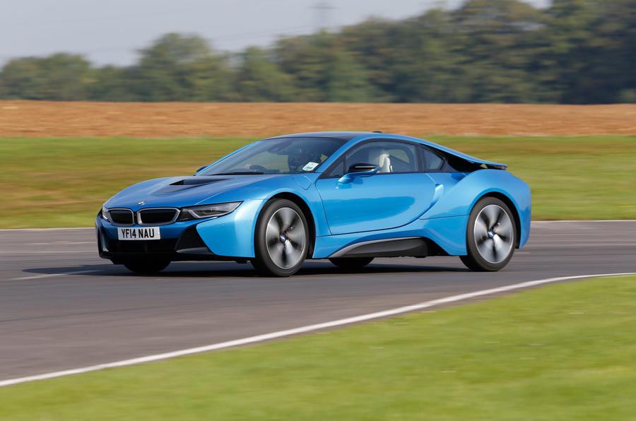 BMW i8 Coupe 2015 - hero side