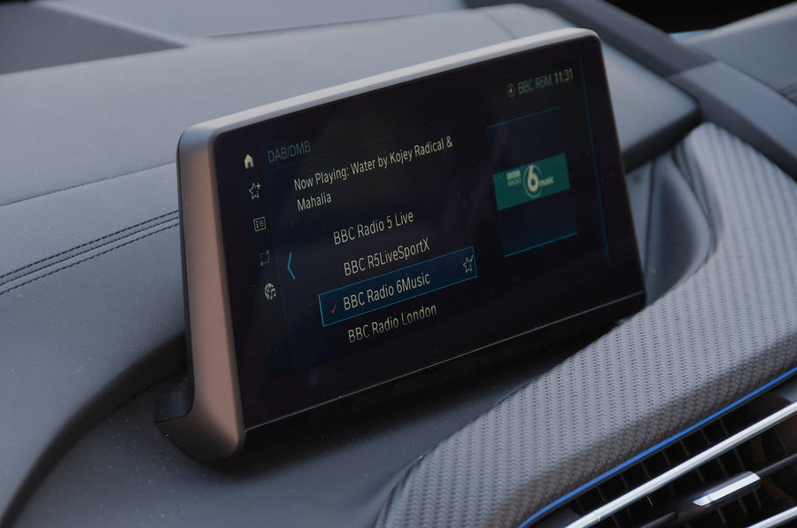 BMW i8 Coupe 2018 UK first drive review infotainment