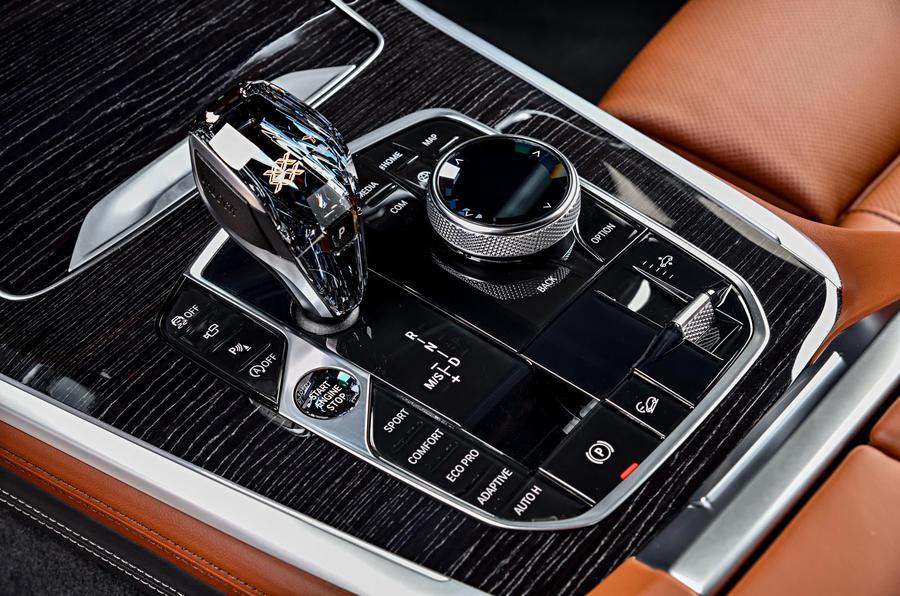 BMW X7 M50i 2020 : premier bilan de conduite - console centrale