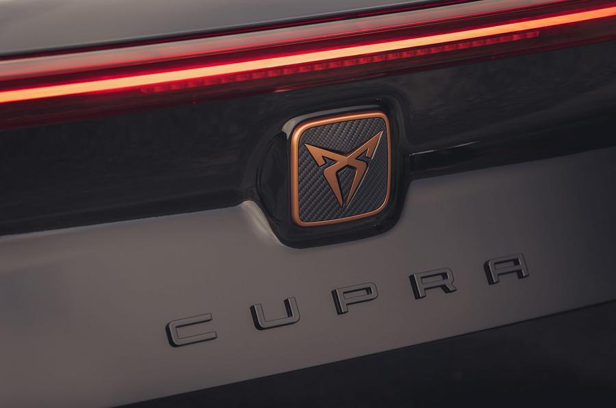 7 Cupra Formentor VZ2 2021 UE premier badge arrière de conduite