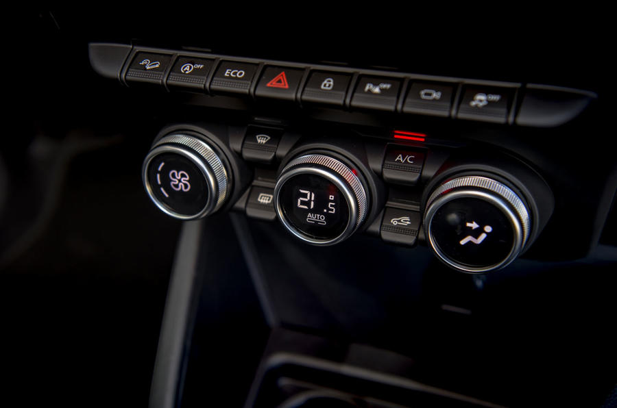 Dacia Duster 2018 first drive review climate control