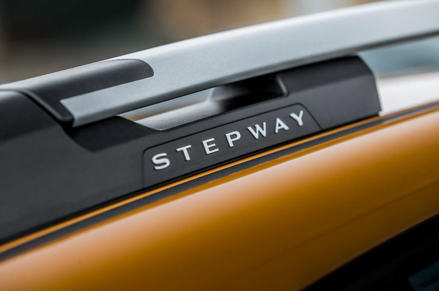 7 Dacia Sandero Stepway 2021 Première révision des rails de toit au Royaume-Uni