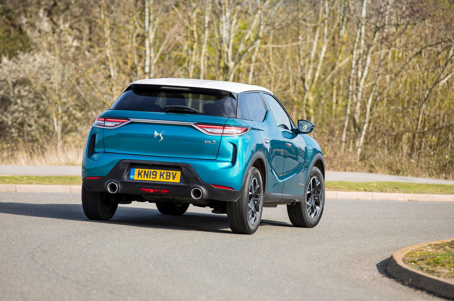 DS 3 Crossback 2019 UK first drive review - cornering rear