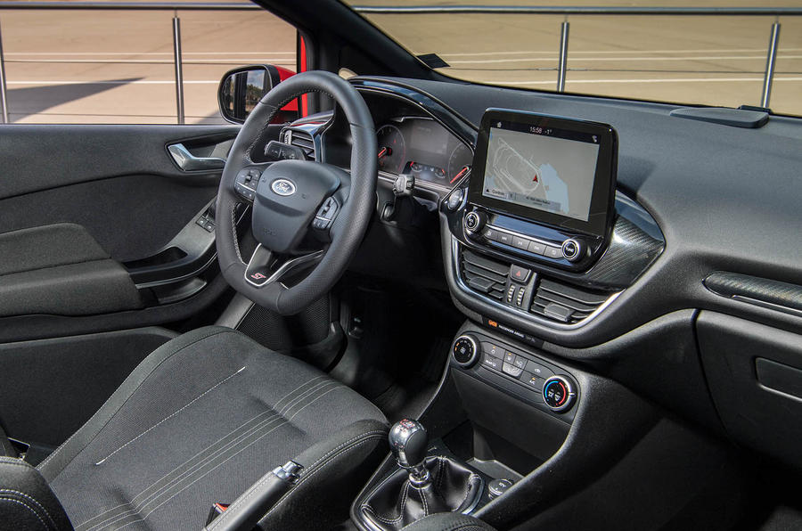 Ford Fiesta ST 2018 review dashboard
