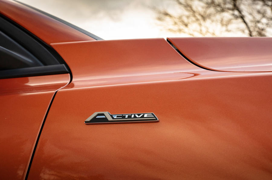 Ford Focus Active 2019 first drive review - wing badge