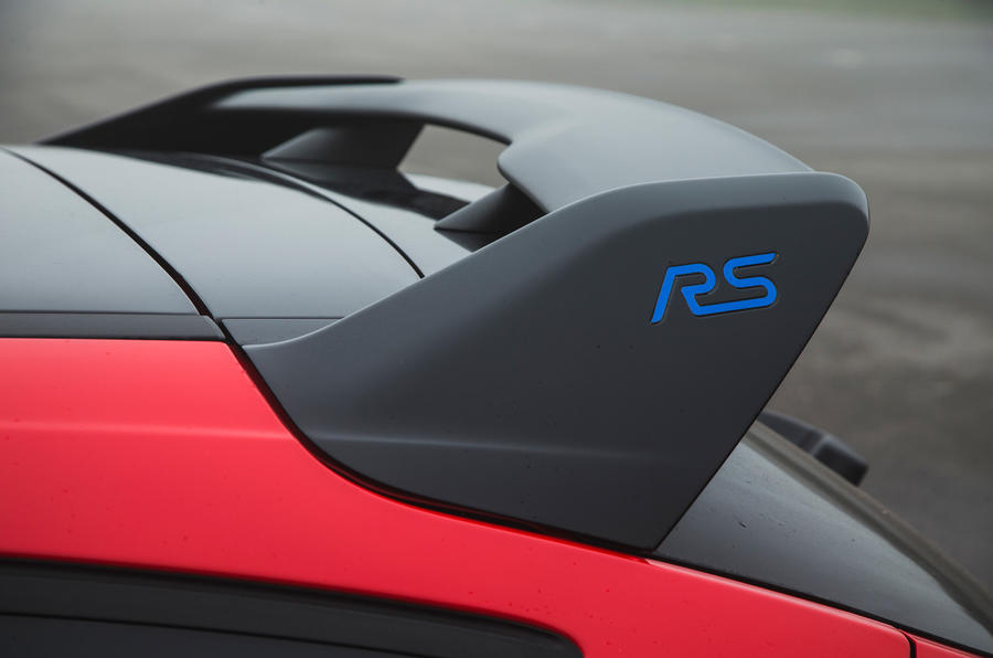Ford Focus RS Race Red Edition spoiler