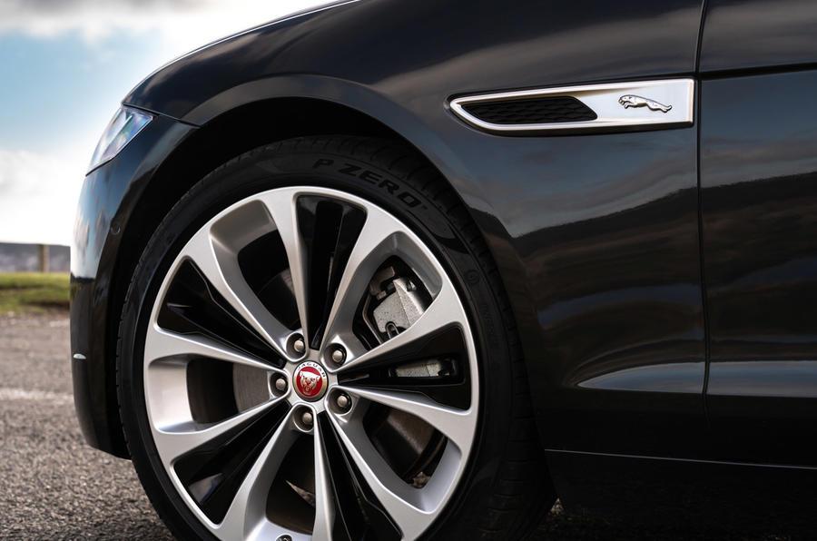 7 Jaguar XF Sportbrake P250 2021 UE : revue des jantes en alliage