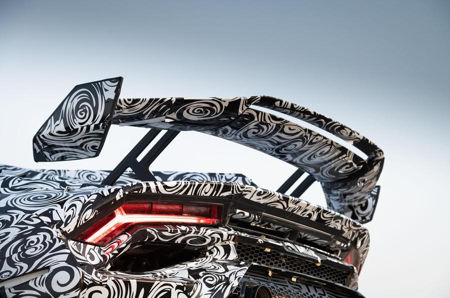 Lamborghini Huracan STO 2020 : premier bilan de conduite - aile arrière