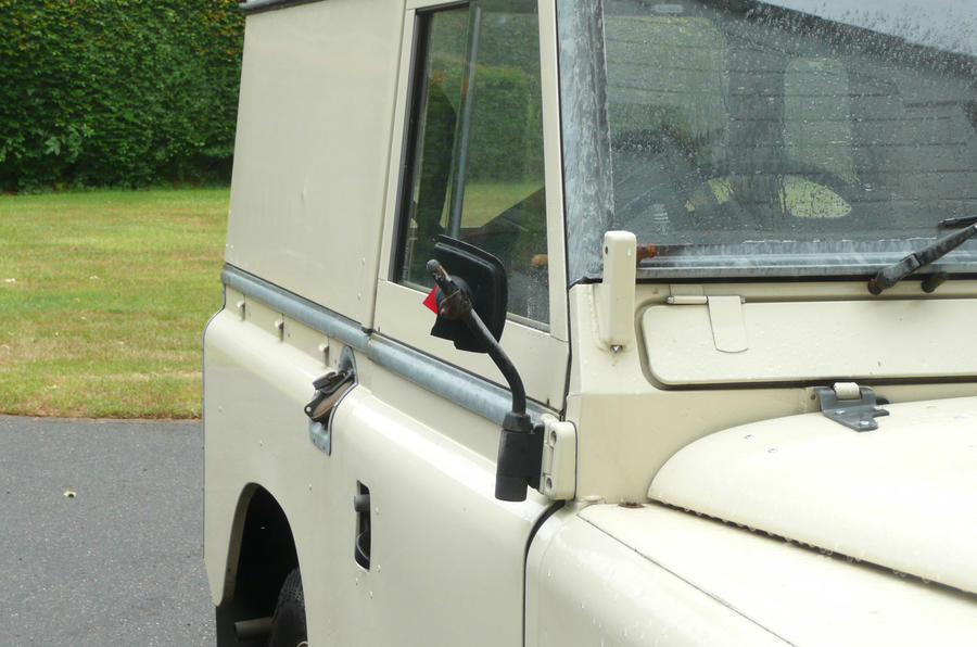 Land Rover Series 3 - static side
