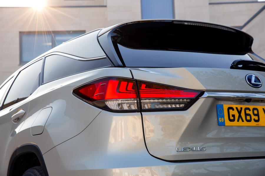 7 Lexus RX 450h L 2021 UE FD feux arrière
