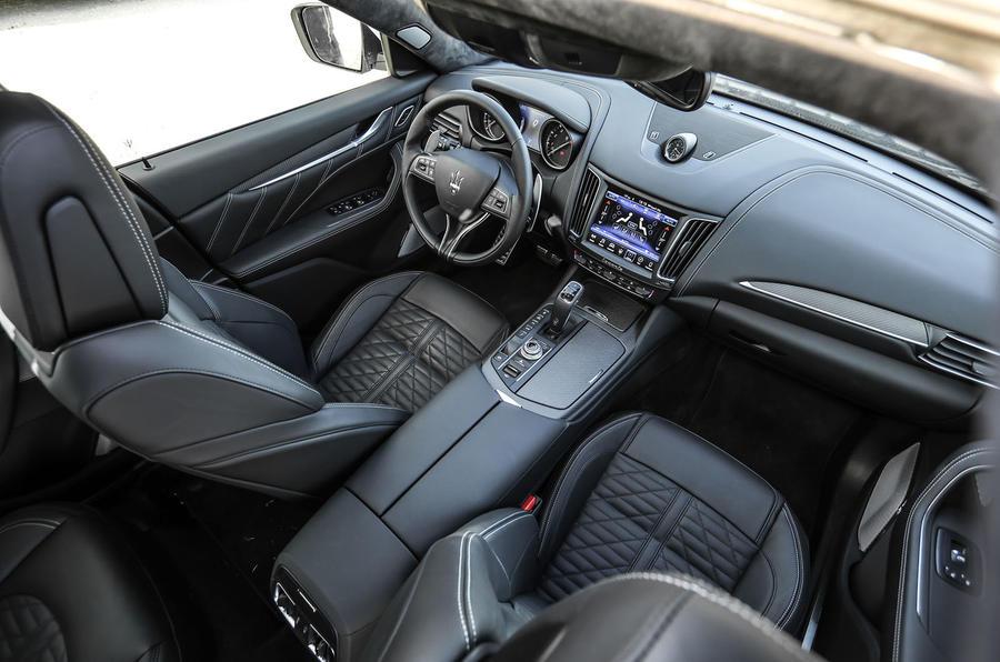 Maserati Levante Gransport 2018 UK first drive review cabin