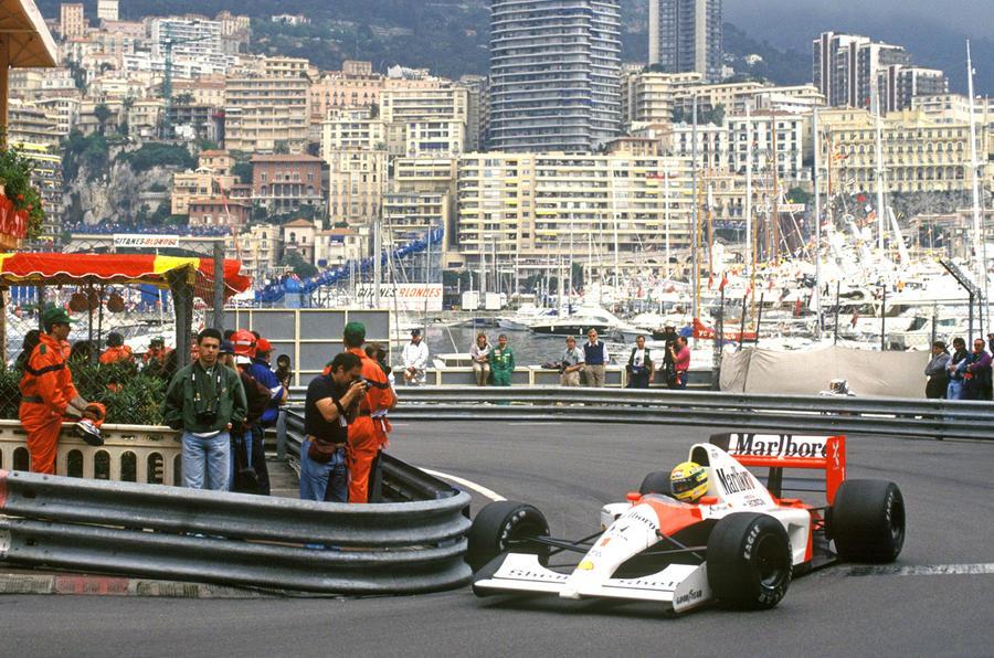 McLaren MP4/6 - front