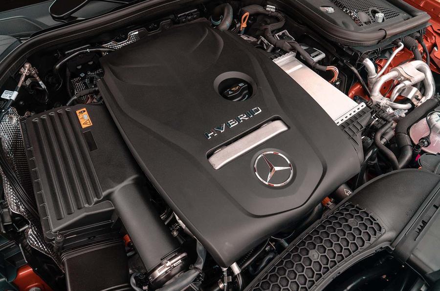 Mercedes-Benz E300e 2019 UK first drive review - engine