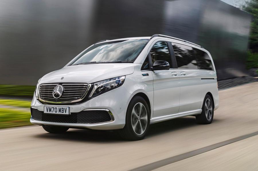 7 Mercedes Benz EQV 2021 LHD : essai de conduite sur route avant