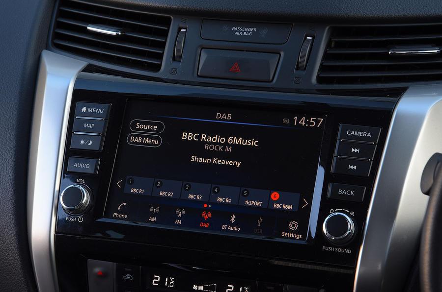 Nissan Navara 2020 : premier bilan de la conduite au Royaume-Uni - infotainment