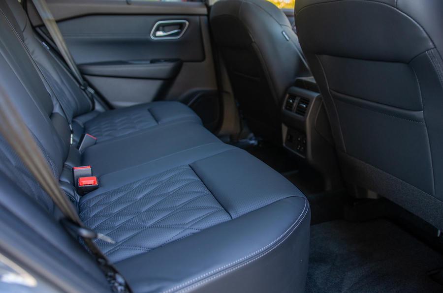 7 Nissan Rogue 2021 USA FD sièges arrière