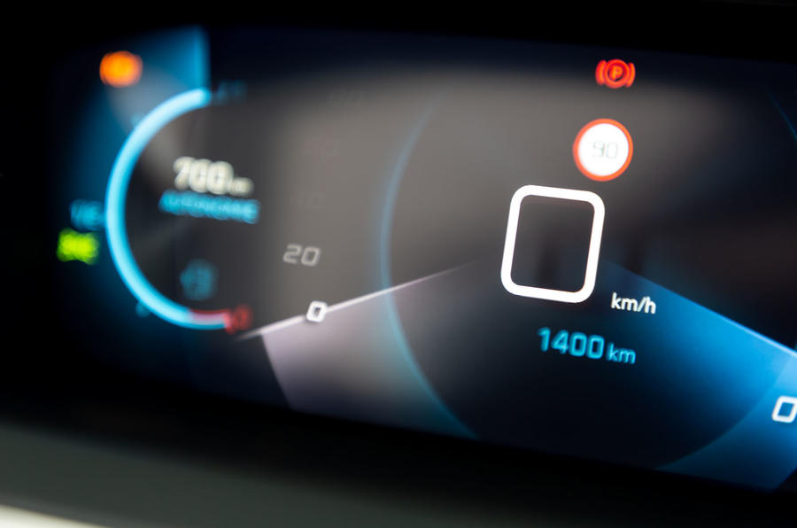 Peugeot 208 GT Line 2020 UK first drive review - instruments details