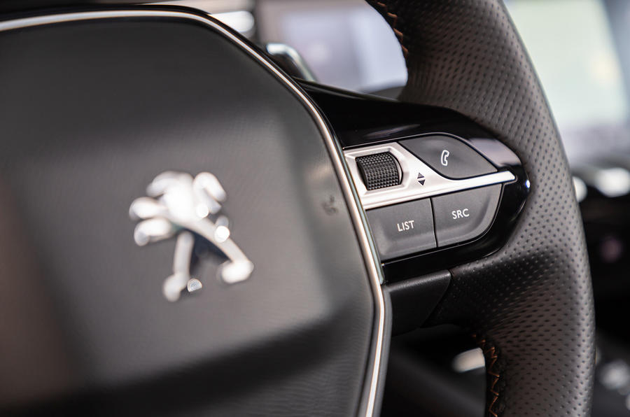 Peugeot 508 SW 2018 first drive review - steering wheel controls