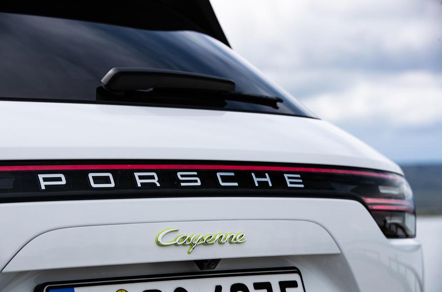Porsche Cayenne E-Hybrid 2018 review tailgate