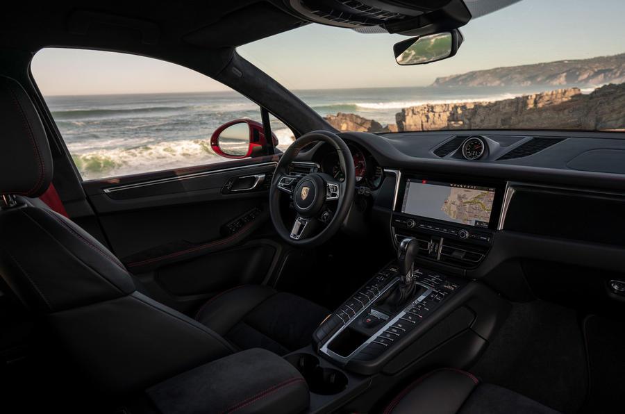 Porsche Macan GTS 2020 first drive review - dashboard