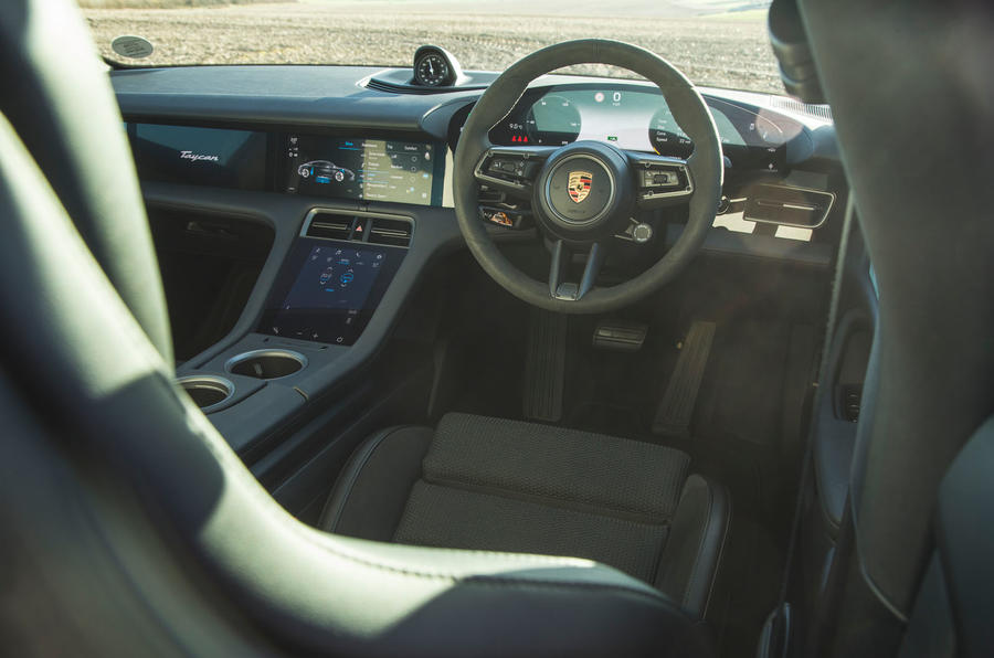 Porsche Taycan 4S 2020 UK first drive review - dashboard