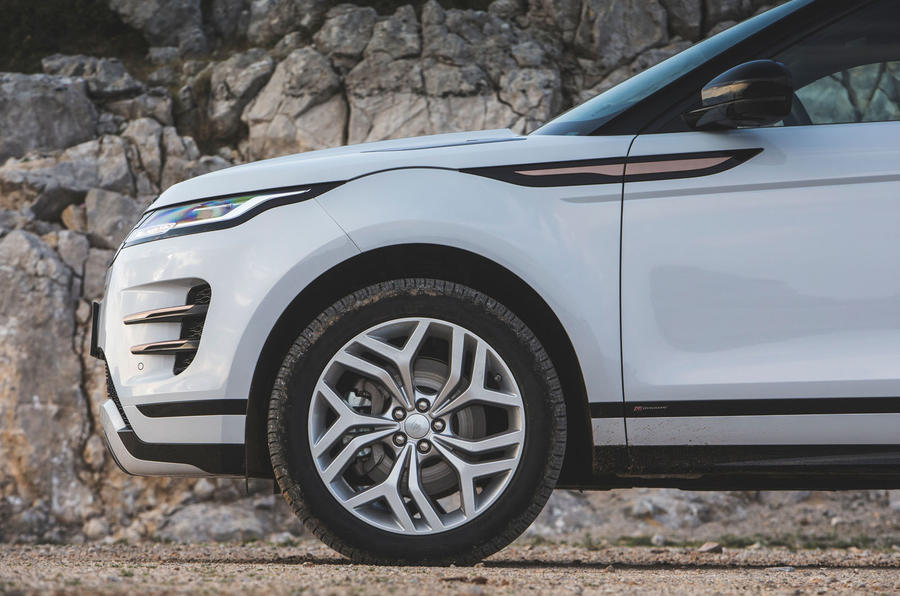 Range Rover Evoque 2019 first drive review - alloy wheels