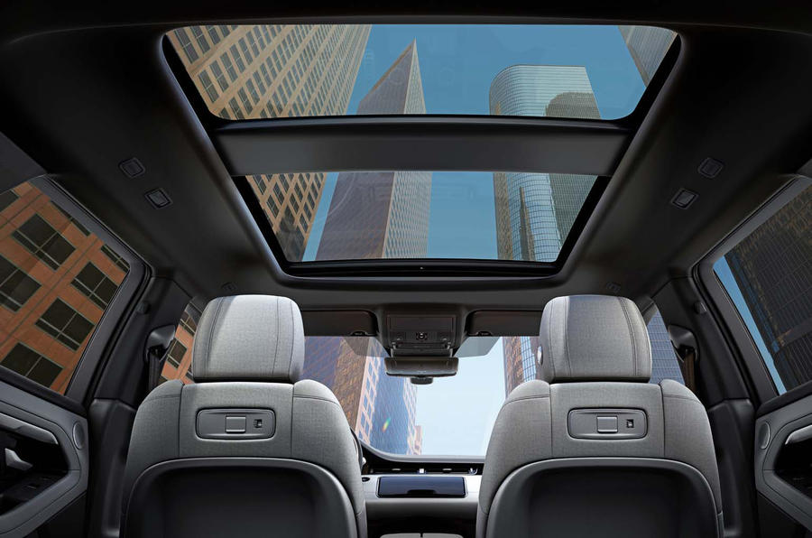 Range Rover Evoque 2019 official reveal - sunroof