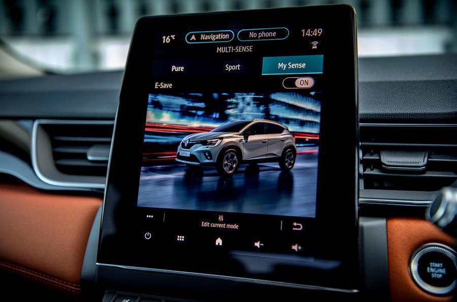 Renault Captur E-Tech PHEV RHD 2020 UK first drive review - infotainment