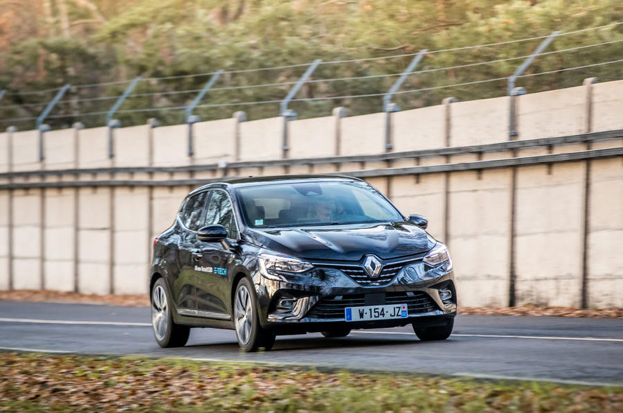 Renault Clio E-Tech 2020 first drive review - on the road front