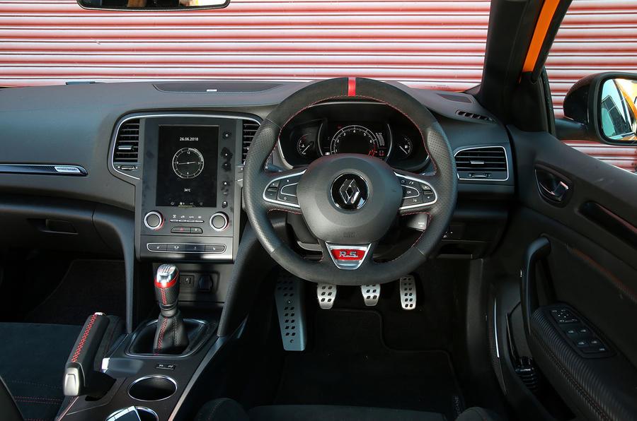Renault Megane RS 2018 UK first drive dashboard