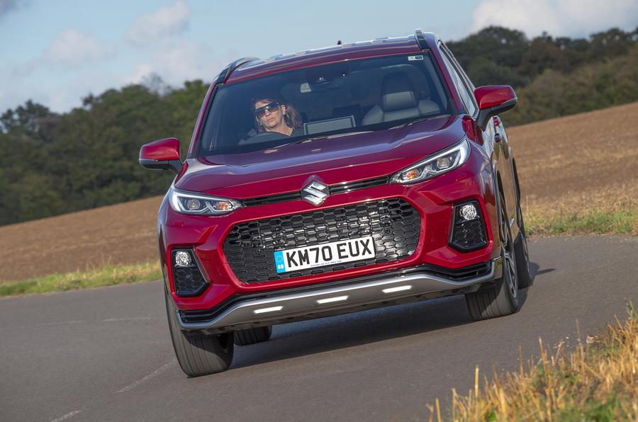 Suzuki Across Hybrid 2020 : premier bilan de la conduite au Royaume-Uni - la charge à l'avant