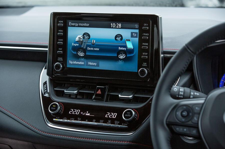 Toyota Corolla hatchback 1.8 hybrid 2019 UK review - hybrid details