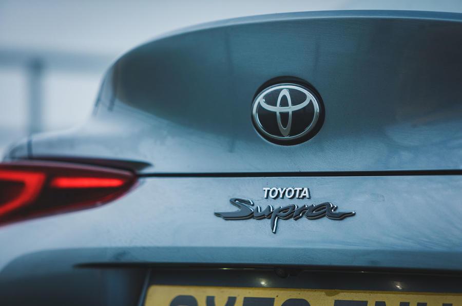 7 Toyota GR Supra 2 litres 2021 : premier badge arrière de l'examen de conduite au Royaume-Uni