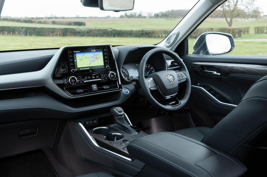 7 Toyota Highlander 2021 UE : essai routier de l'habitacle