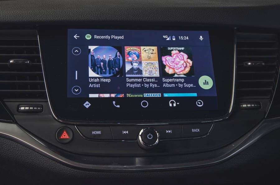 Vauxhall Astra 1.2 Elite Nav 2020 UK first drive review - android auto