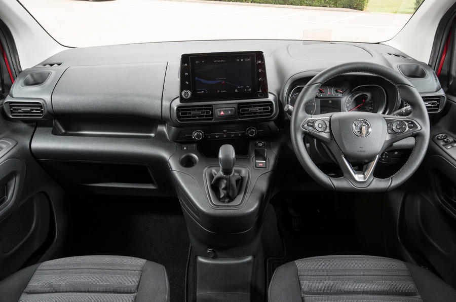 Vauxhall Combo Life 2018 UK first drive review dashboard