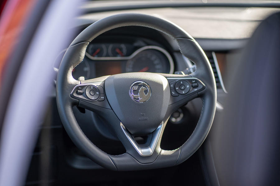 Vauxhall Grandland X Hybrid4 2020 first drive review - steering wheel